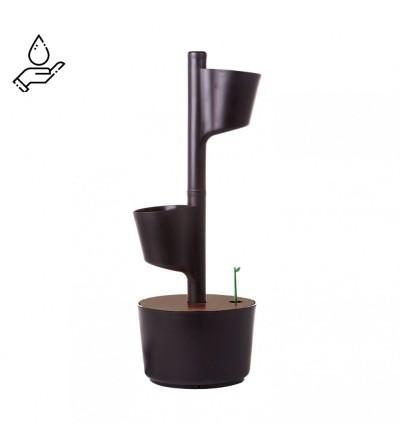 Vertikaler Blumentopf für manuelle Bewässerung